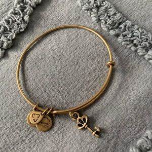 NWOT Alex and Ani Key Charm Bracelet